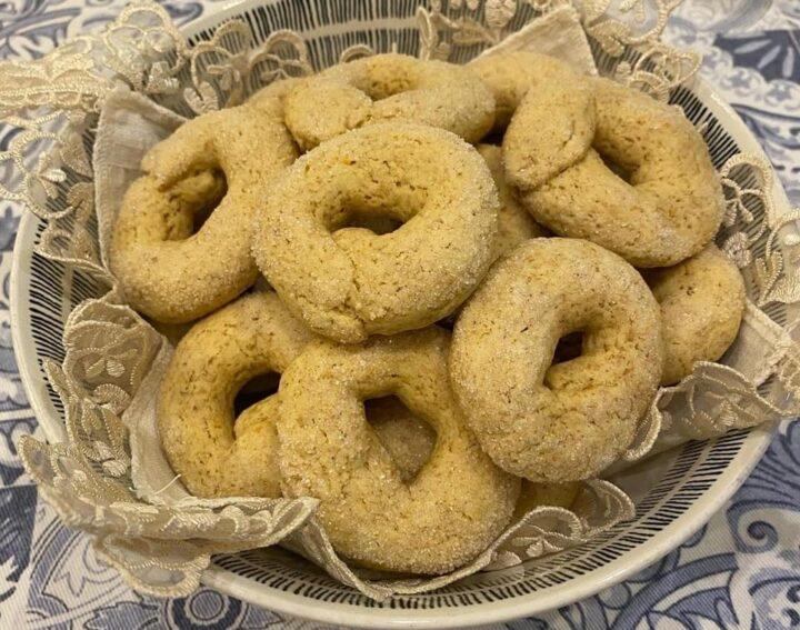 biscotti ciambelline rusticotte della nonna senza burro e con farina integrale
