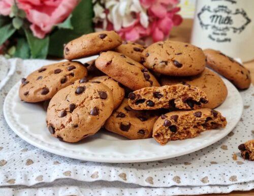 COOKIES AL BURRO DI ARACHIDI E CIOCCOLATO dolce biscotto goloso