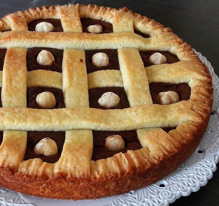 crostata golosa nocciolotta dolce ripieno nutella