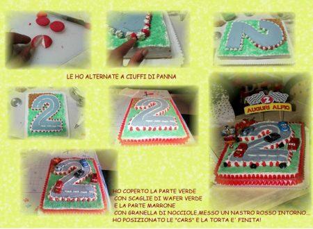 """torta per bambini""""pista Cars""""a forma di numero due"""