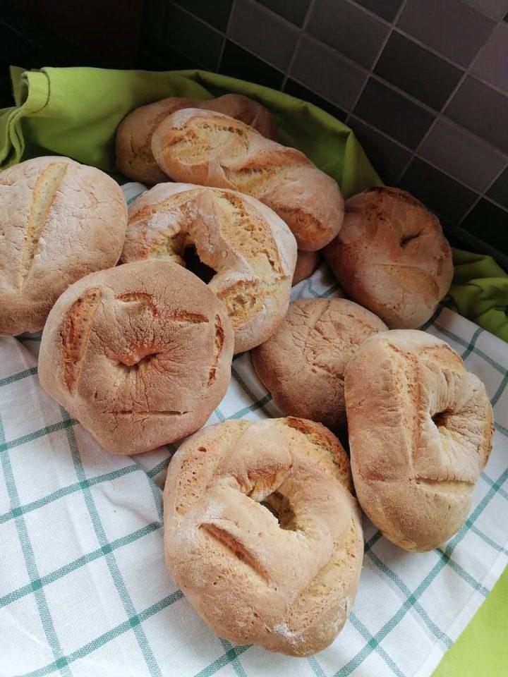 Pane fatto con lievito madre