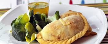 Calzoncini ripieni di pollo e patate