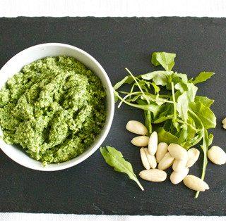 Pesto alla rucola con mandorle e pistacchi
