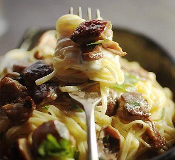 Tagliolini ai porcini e formaggio spalmabile fresco