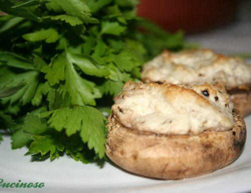 Funghi ripieni con quartirolo di capra, ricetta facilissima