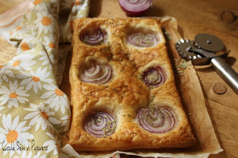Torta salata di pasta sfoglia e cipolle