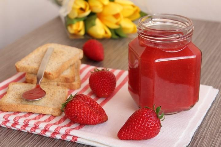 Composta di fragole e mele (light)