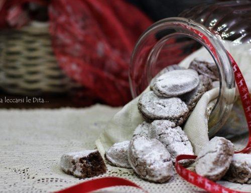 Ricciarelli al cioccolato ricetta senese