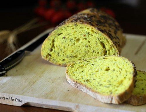 Pane alla curcuma e semi di lino