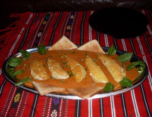Filetti di gallinella su vellutata di peperone rosso