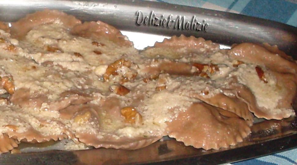 Sombreri di castagne con funghi e robiola