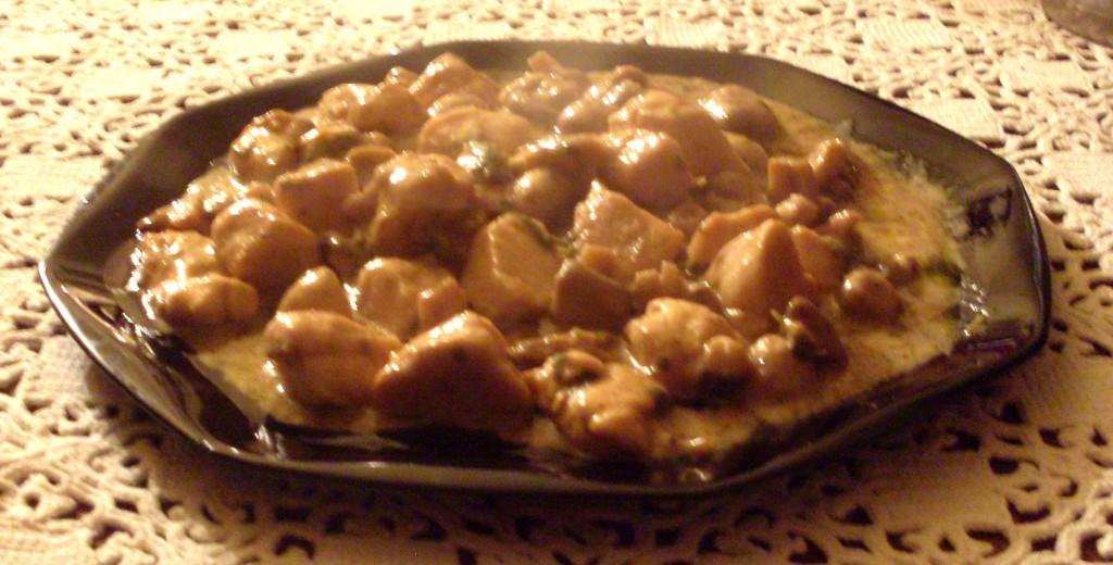 Bocconcini di pollo e funghi in crema alle spezie