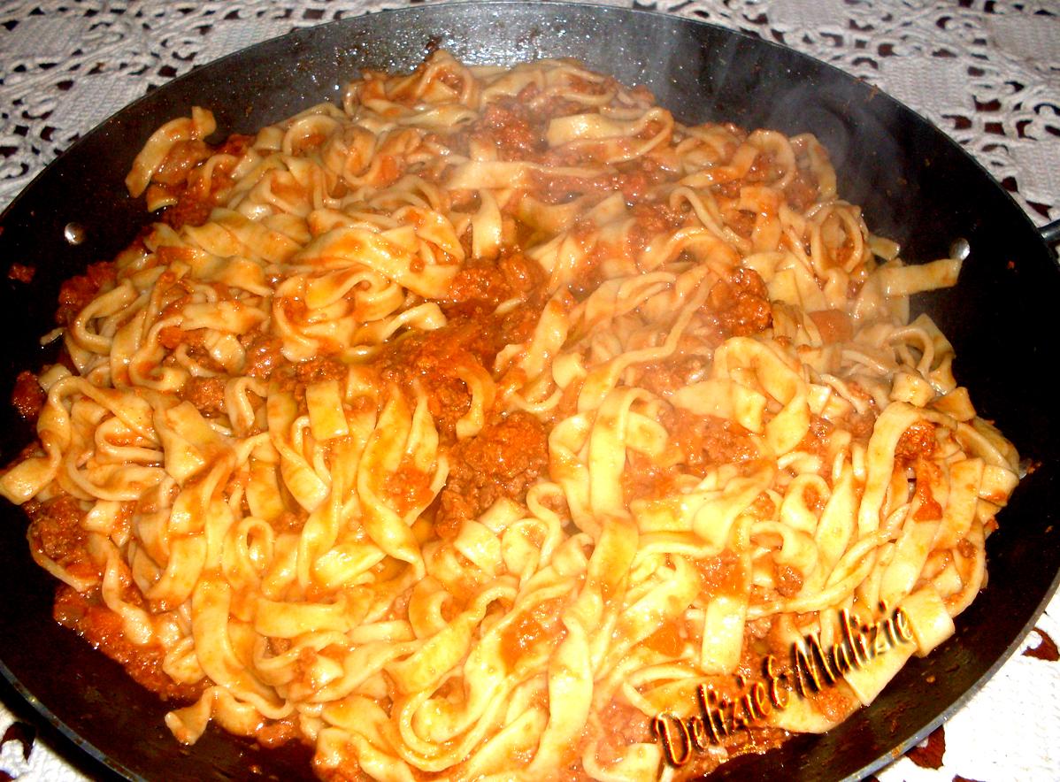 bolognese sauce bolognese sauce pasta bolognese fettuccine bolognese ...