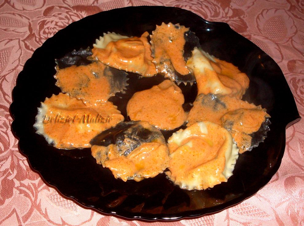 Sombreri di gallinella in vellutata di scalogno e paprika