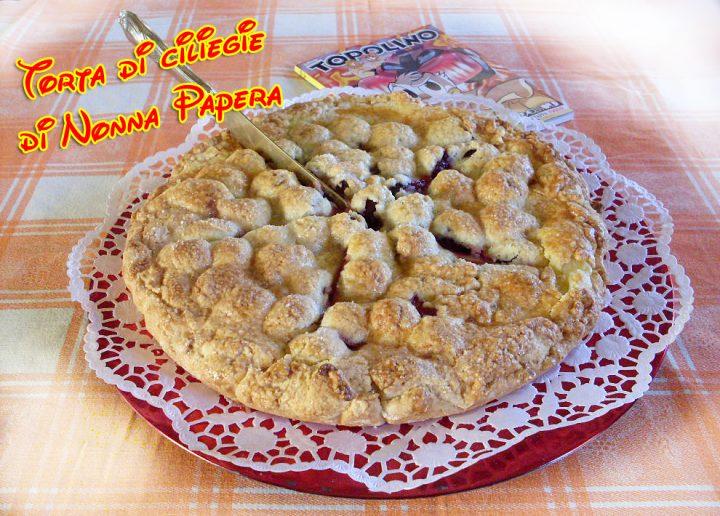 Torta di ciliegie di Nonna Papera, una golosità per tornare un po' bambini