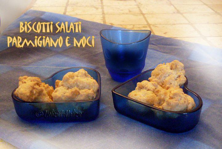 Biscotti salati parmigiano e noci, lo sfizio facile