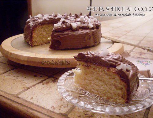 Torta soffice al cocco con ganache al cioccolato fondente