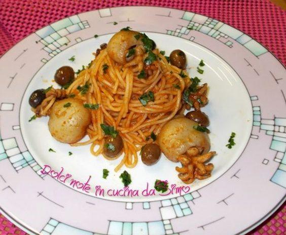 Spaghetti mediterranei con seppie e olive