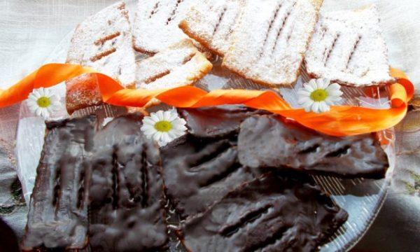 Chiacchiere alla panna e cioccolato