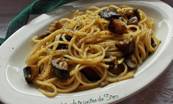 Spaghetti con le melanzane impepate