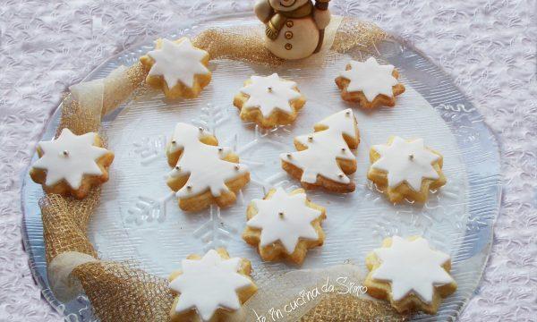 Biscottini Natalizi ricoperti con pasta di zucchero