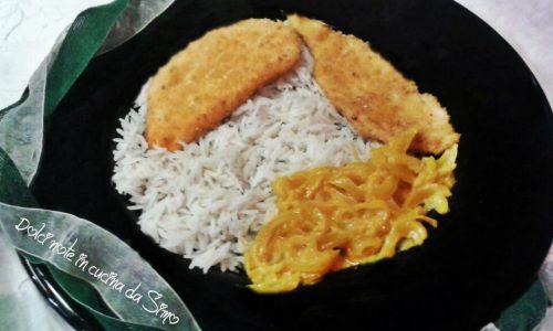 Fettine di pollo alla curcuma con riso Basmati e cipolle stufate