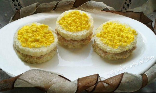 Tramezzini mimosa alla crema di tonno