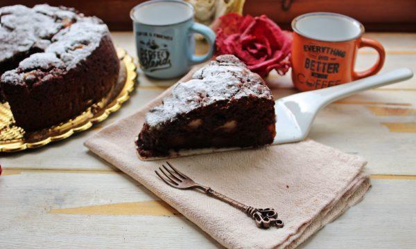 Soffice torta al cioccolato e pere