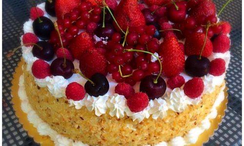 Torta con crema al cioccolato e frutta senza glutine