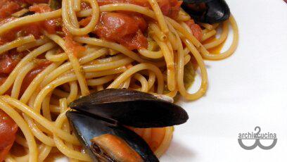 Spaghetti con asparagi e cozze