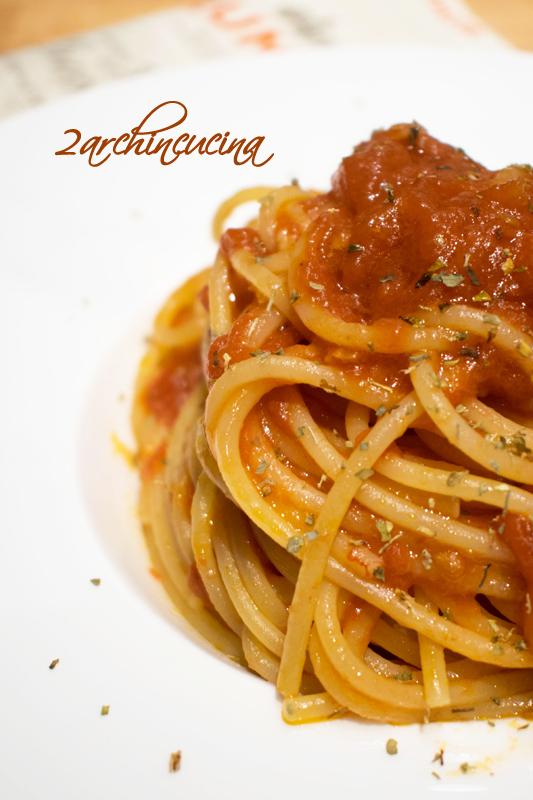 Spaghetti sugo aglione