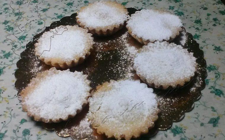 Crostatine con marmellata di albicocche