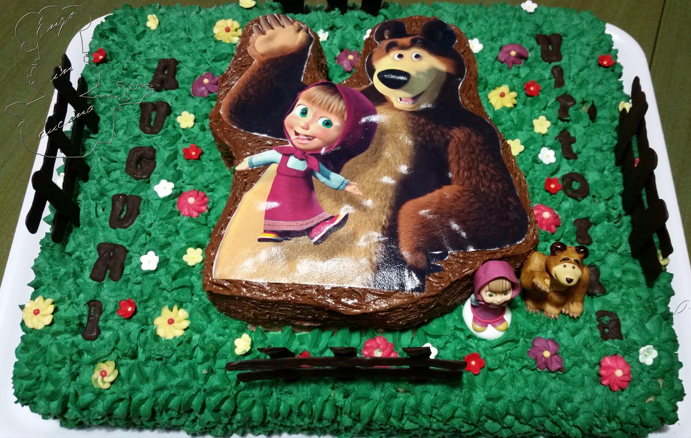 Torta masha e orso enzo in cucina for Masha e orso disegni da colorare