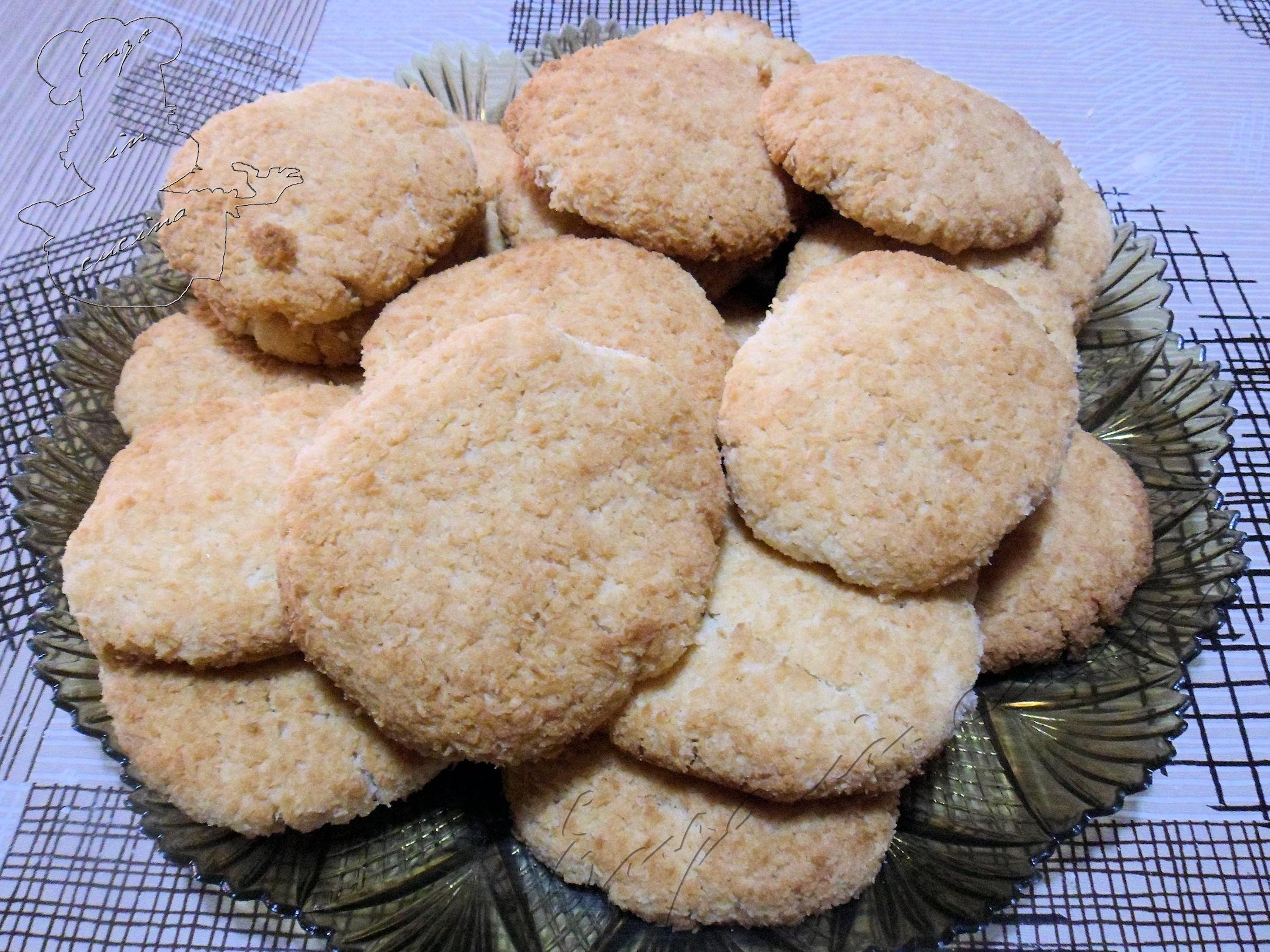 Biscotti al cocco , w