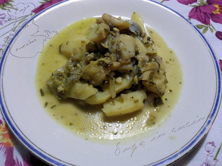 baccala-in-umido-con-patate-cipolle-e-pistacchi-w