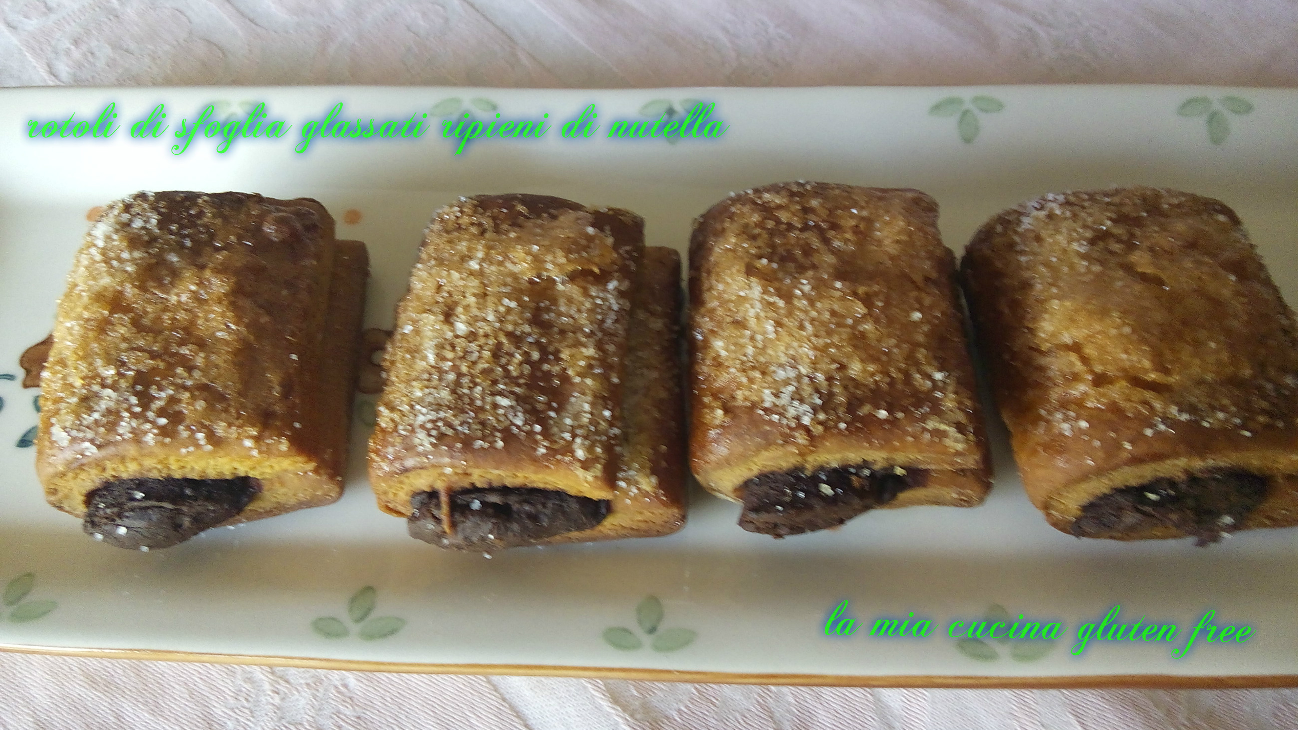Rotolini di Sfoglia Glassati Ripieni di Nutella