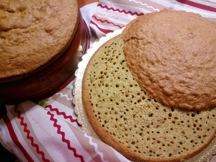 pan di spagna alle mandorle senza glutine