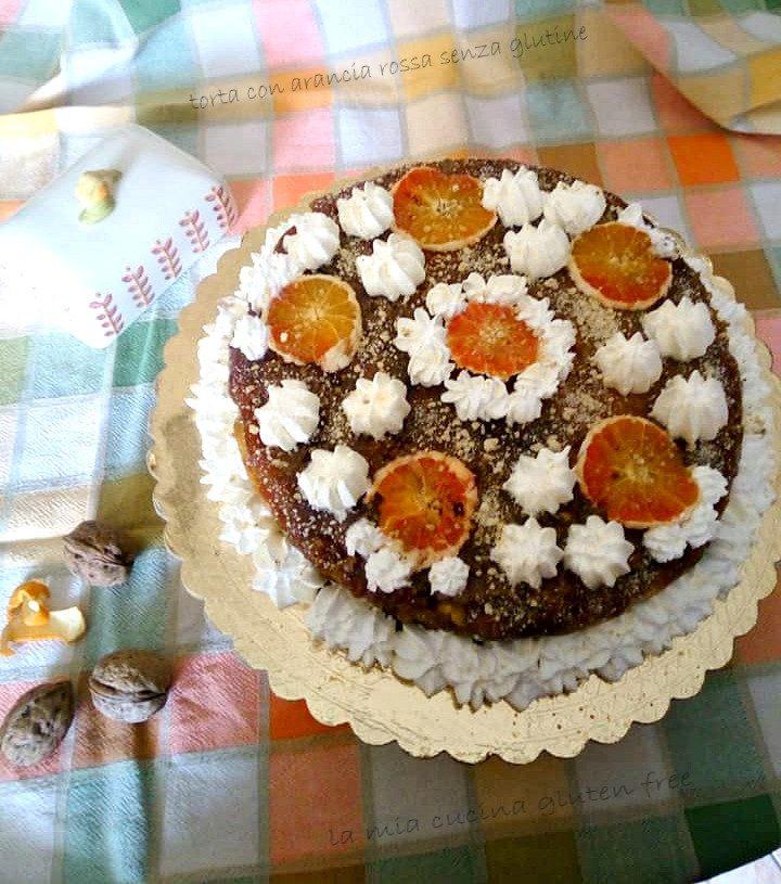 torta con arancia rossa senza glutine e crumble di noci