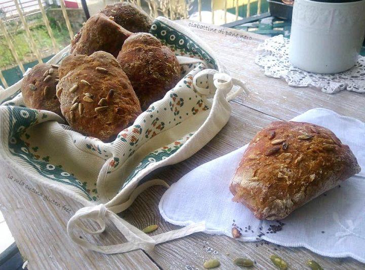 ciabattine di pane nero senza glutine