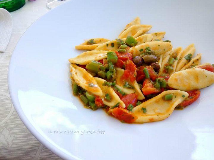 cortecce con asparagi olive e pomodorini