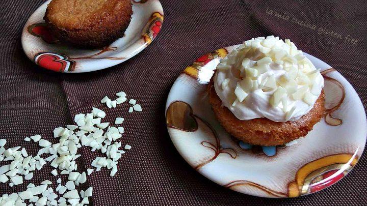 cupcakes a limone senza glutine con frosting di cioccolato bianco