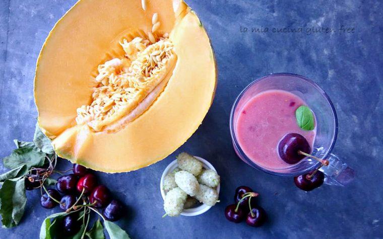 Frappè con yogurt e frutta fresca