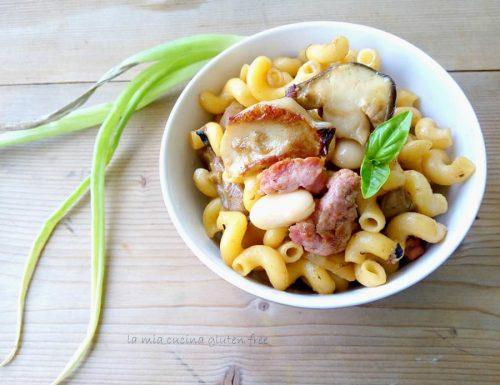 Riccioli con porcini salsiccia e fagioli di spagna
