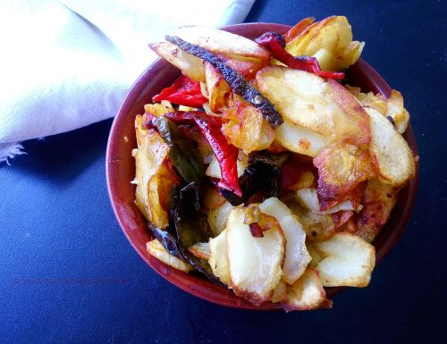 Patate e peperoni fritti