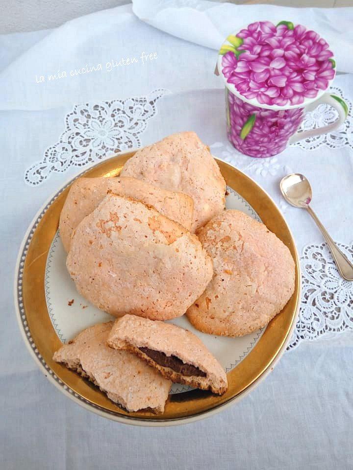 biscotti con alchermes senza glutine ripieni con cioccolato