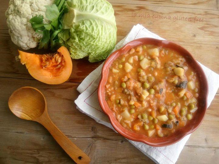 https://blog.cookaround.com/gaianna/minestrone ricco di verdure con verza