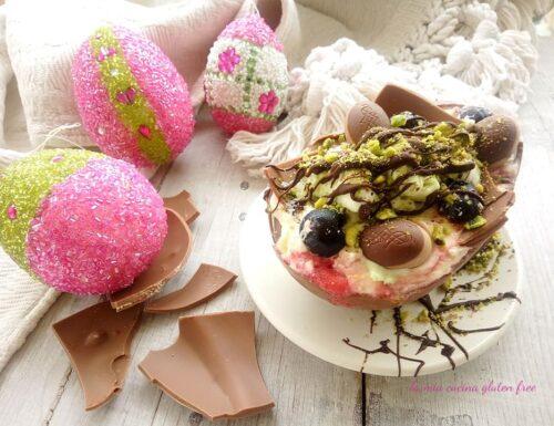 Uovo di Pasqua con gelato
