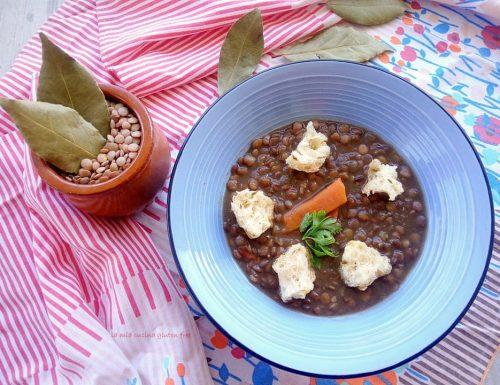 Zuppa di lenticchie con tarallo croccante