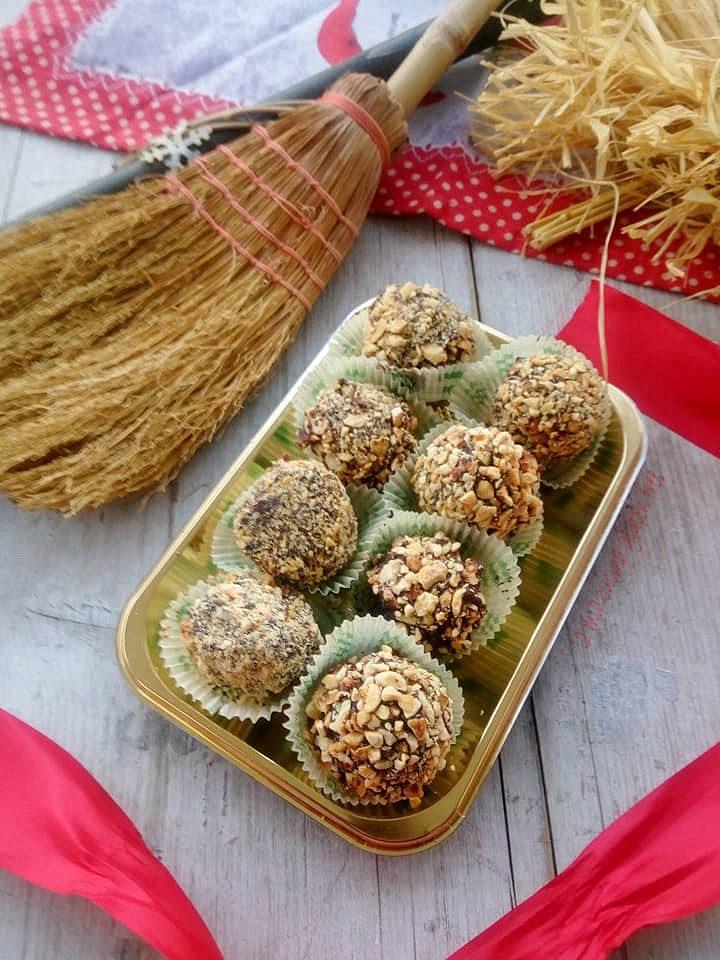 praline di panettone con croccante di cioccolato e nocciole