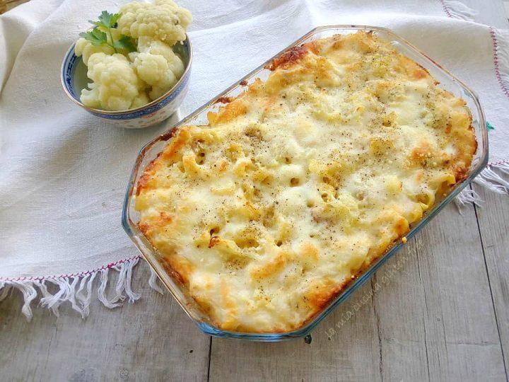 pasta con cavolfiore e salsiccia al forno senza glutine